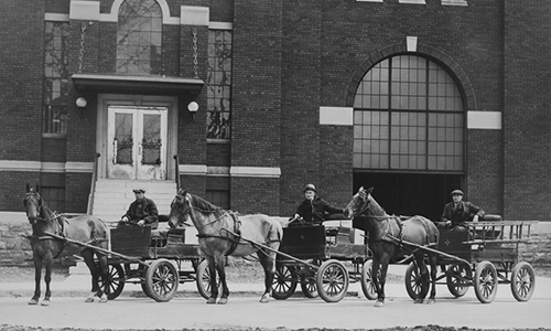 Horse and buggy that served as our original fleet vehicles. King Edward Hydro Terminal Station, Ottawa circa 1931.